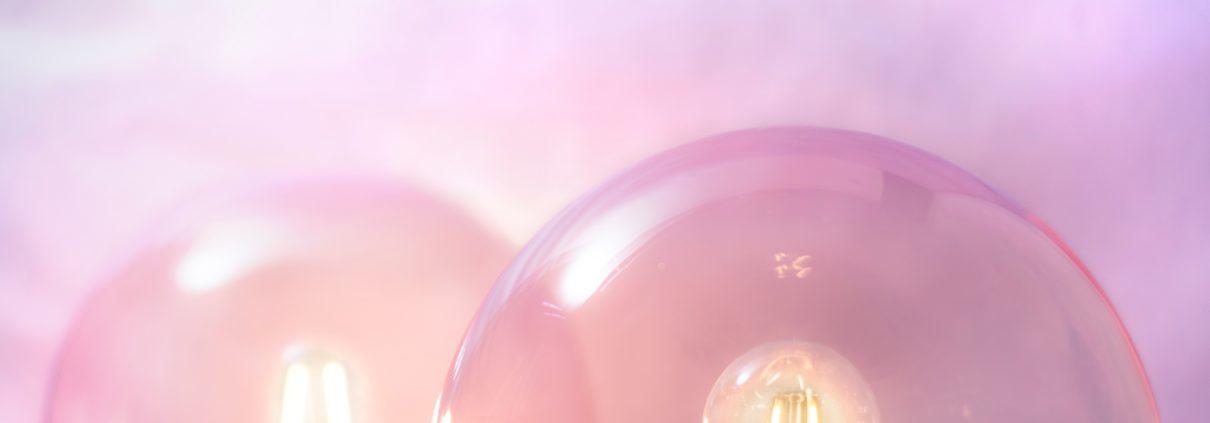 drie roze olielampen over misvattingen hypnose